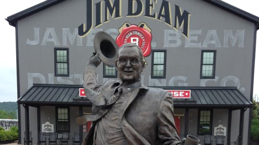 Exterior view of the Jim Beam distillery.